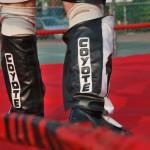 Las botas son indispensables en la lucha libre.