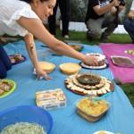 Nathalie Cortez fue una de las 14 personas que participaron en el picnic vegano. Ella optó por juntar varios bocadillos veganos en un solo plato.